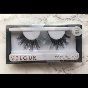 Velour Vegan Luxe Lashes - She-E-O
